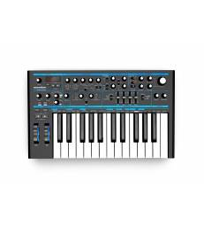 NOVATION -BASS STATION 2