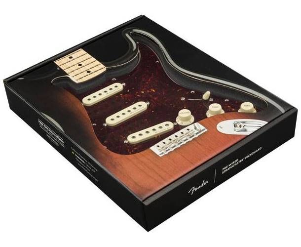 FENDER PRE-WIRED STRAT® PICKGUARD, HOT NOISELESS SSS