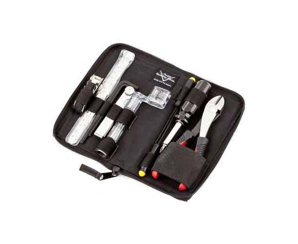 FENDER - Fender® Custom Shop Tool Kit by CruzTools® Black